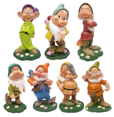 the seven dwarf statue for your garden