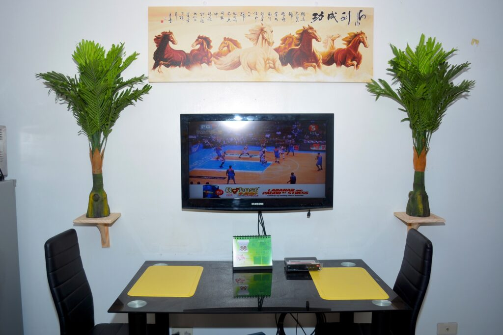 Condo Room For Rent Cebu City Affordable furnished Wifi Cable Hot shower